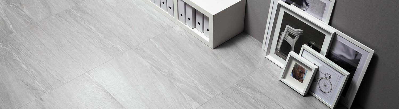 gro e fliesenausstellung in g ppingen jebenhausen fliesenstudio merz. Black Bedroom Furniture Sets. Home Design Ideas